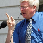 Wisconsin Senator Glenn Grothman Says Single Mothers 'Expect Government Handouts'