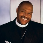 Gospel Singer Marvin Winans Robbed at Gas Station in Detroit