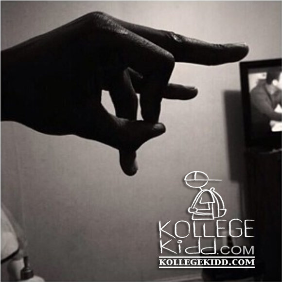 Lil Durk Teaches Fans How To Throw Up Otf Welcome To Kollegekidd